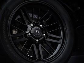 Hübsche, natürlich schwarze, Aluminium-Gussräder