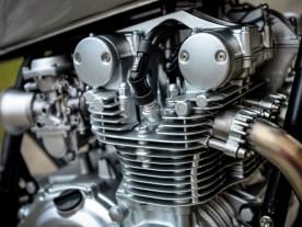 Der Motor wirkt wie gerade eben aus dem Regal geholt, dabei hat er schon ein paar Jahrzehnte auf dem Buckel