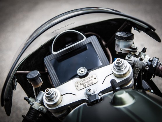 Motogadget und Samsung-Tablet vereint. Toll und unnütz