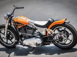 Cleaner Lenker, weisse Sitzbank, Vintage-Schalthebel – wer wissen will, wie Harleys früher aussahen, sollte genau hinschauen