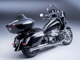 R 18 Transcontinental Black Edition