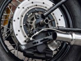 Eine Honda-Bremsscheibe im Heck verrichtet brauchbare Verzögerungsarbeit