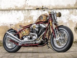 Den sonst an Custombikes dominierenden Farbton Schwarz sucht man an Waldemars Bike vergeblich. Stattdessen gibt es viel Chrom, satte Farben und jede Menge raffinierte Detailarbeit. Dank der Performance ist es alles andere als ein Showbike.