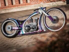 Der »Motor« ist nur ein Gehäuse mit echten Twin-Cam-Zylindern aus einer Harley. Er dient als Behausung für den Akku und die Regelelektronik