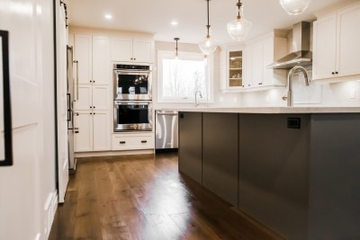 Hollow Timber, Custom Bars, Condo Renos, Feature Walls, Custom Showers, Fire Places, Kitchen Back Splashes, Wine Cellars-36