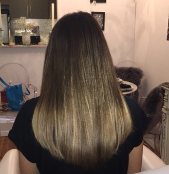 4 Reasons Why Tape In Hair Extensions NYC Could Be The Best Choice