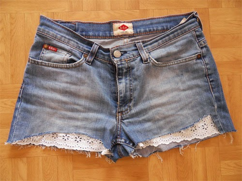 Customizar short jeans com bordado inglês