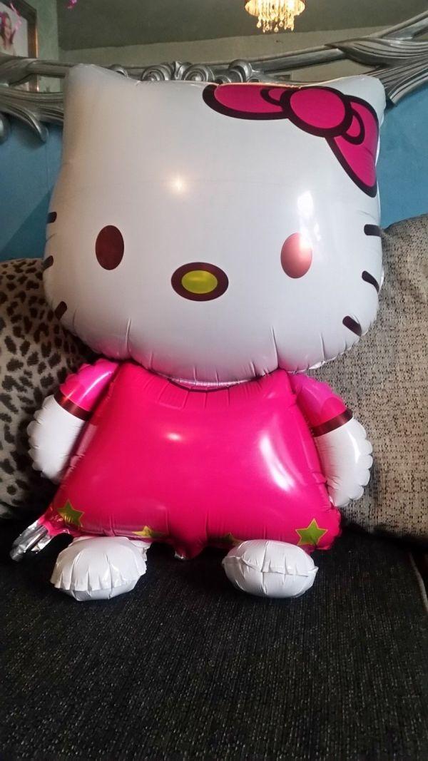 Giant hello kitty balloon