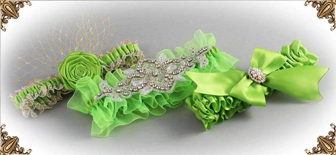 https://customweddinggarter.com/product-category/green-yellow-wedding-garters-550
