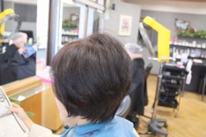 カット後そのまま ハンドドライでふんわり収まるヘアスタイル