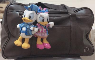 sb02 min - 女子高生のスクールバッグにはディズニーシリーズはあるの?!