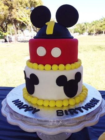 dparty11 min - 子供の誕生日パーティー 〜 料理メニューからデザインまでディズニーテーマで楽しむも素敵