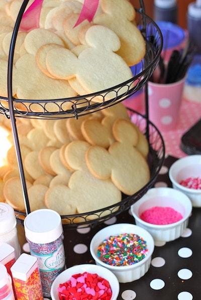 pan03 min - ディズニーお菓子をミッキーのクッキー型で 〜 ハロウィン クリスマス 誕生日にも大活躍!!