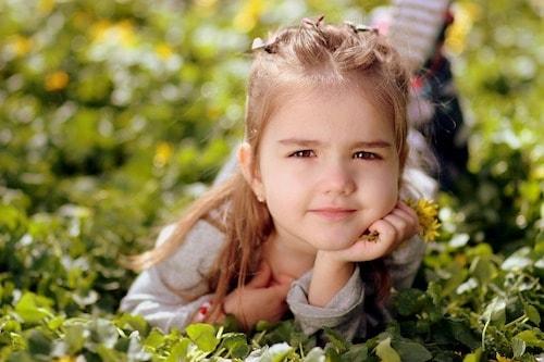 girl 1250679 960 720 min - 邪魔な髪の毛を簡単にまとめてしまう ヘアアレンジ 〜 これで家事、育児、仕事に集中できる!!