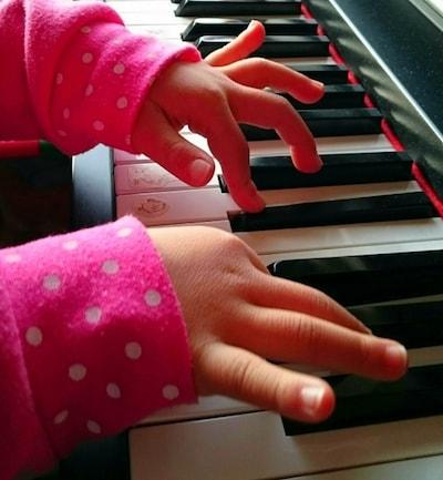 p07 min - 子供のピアノ独学って可能なの? 〜 家庭でピアノを練習するメリットは深かった!!