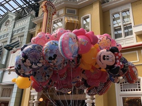 moti02 min - ディズニー旅行の「持ち物」はスーツケース8割空っぽがおすすめ〜必要なものリスト!!