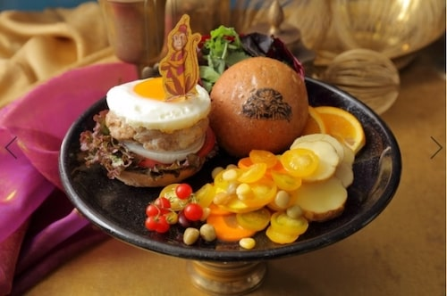 alacafe03 min - 【アラジンカフェ】大阪にもオープン!〜確実に行ける方法、メニュー、オリジナルグッズなど