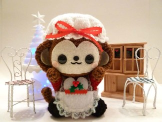 mrs-claus-christmas-monkey-amigurumi-14