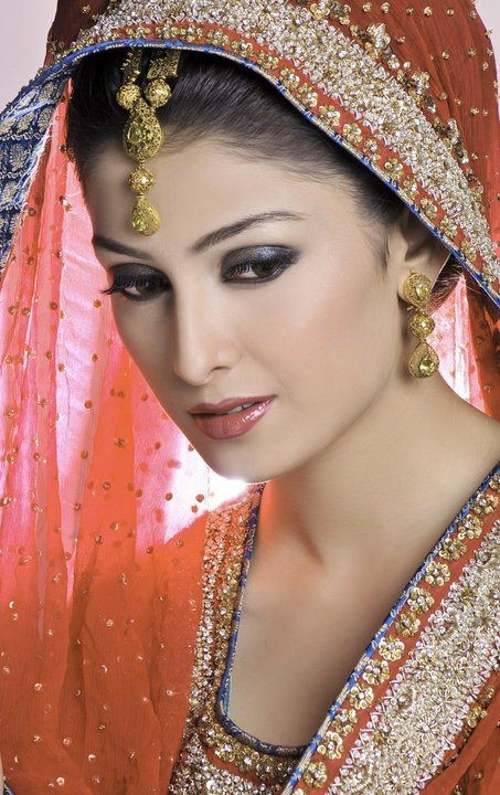 Ayeza Khan Bridal Photoshoot 2013 Cute Outfits Ideas