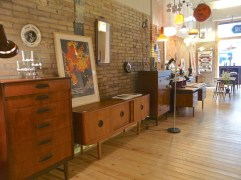 El Recibidor vintage furniture and decorative items for sale in Barcelona