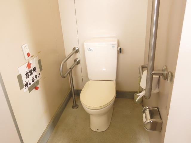 尼崎市立青少年いこいの家(女性用トイレ)