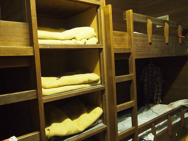 尼崎市立 青少年いこいの家 8人部屋(ベッド)