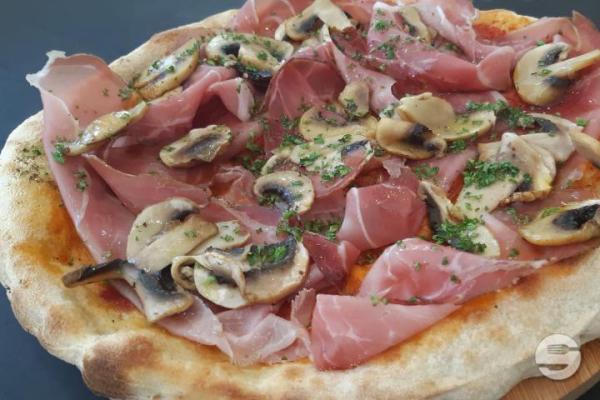 Pizza Individuelle Jambon Cru et Champignons