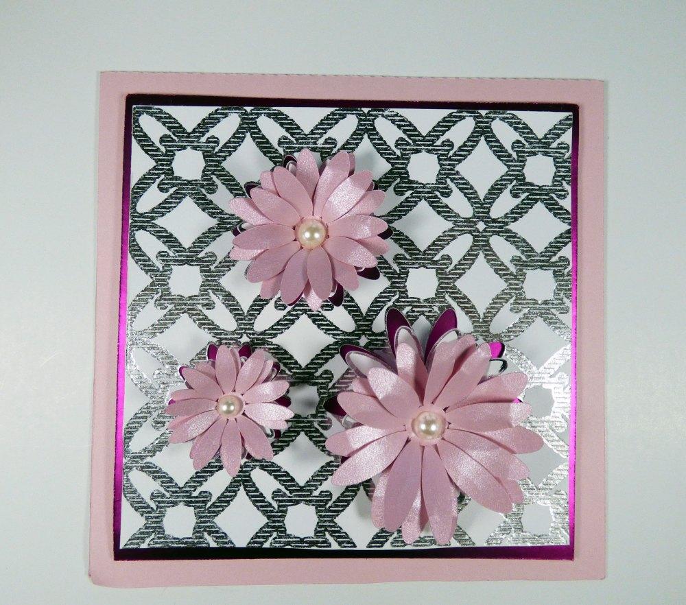 Foiled Cricut Popout with Daisy Card