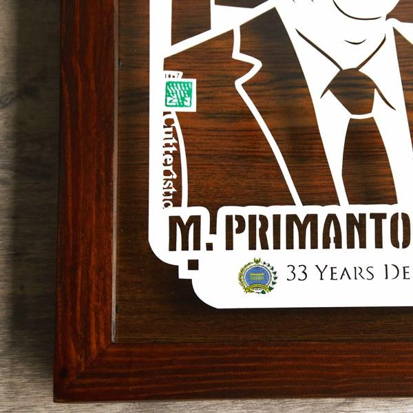 Kado farewell unik dari paper cutting di dalam bingkai, diberikan kepada rekan kerja kantor, manajer, atasan, boss sebagai kenang-kenangan selama bekerja