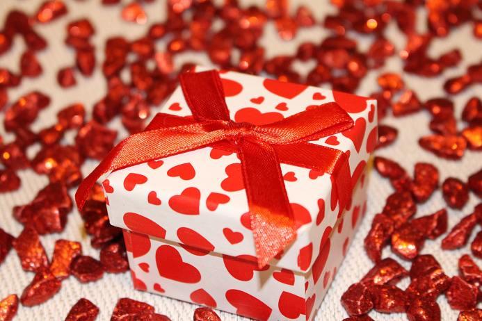 Hadiah ini ternyata mengandung mitos putus cinta