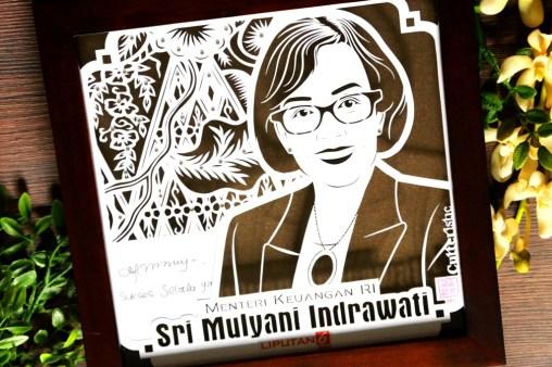 Cutteristic - Souvenir Pembicara - Liputan 6, Sri Mulyani Indriawati (4)