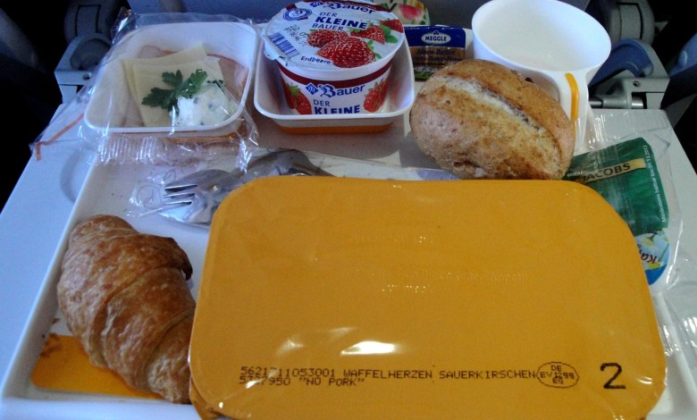 Photo of Snack-Flight Mode: What to Eat When Traveling