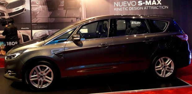 ford smax-2