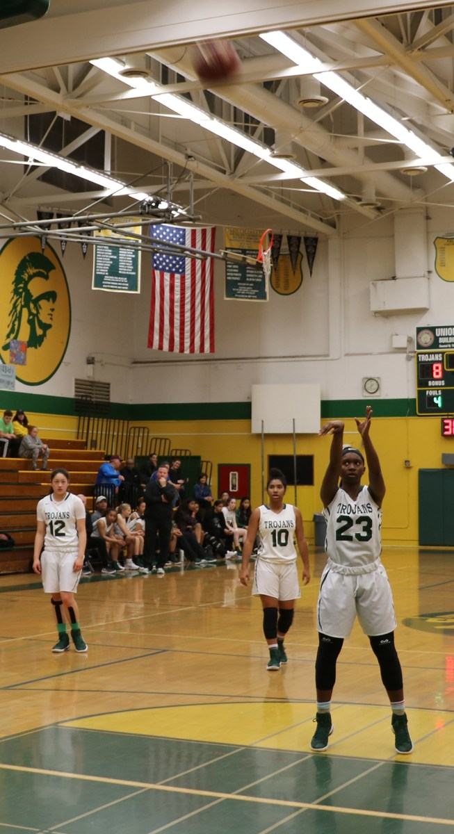 CVHS Varsity Girls Basketball finishes the season strong