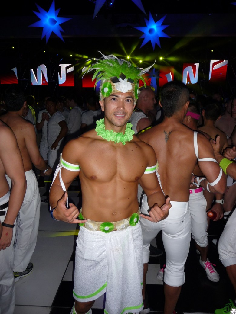 images/White Party 2013/a-touch-of-green_8606072723_o