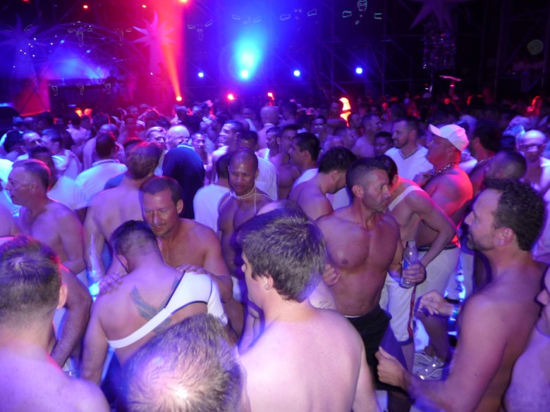 images/White Party 2013/dancing_8606075635_o