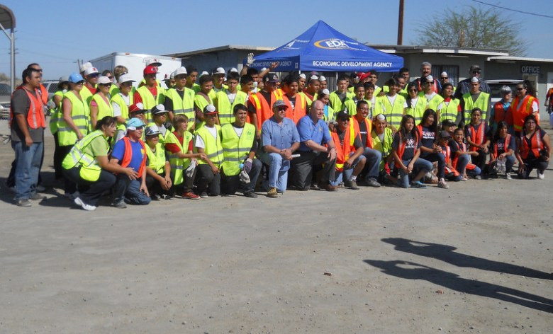 images/Duroville Cleanup March 30 2013/a-group-shot_8615114506_o