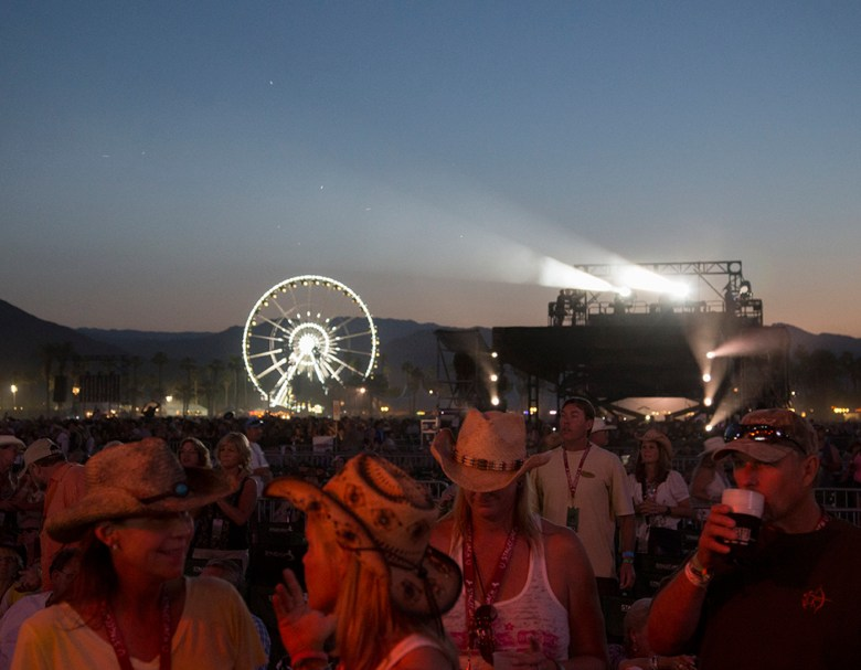 images/Stagecoach 2013 Day 1/nightfall-descends_8684267041_o