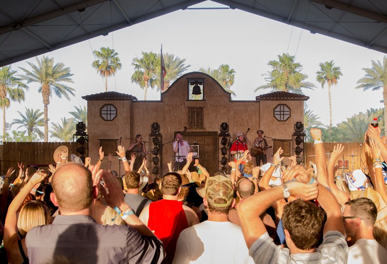 images/Stagecoach 2013 Day 1/old-crow-medicine-show_8684266969_o