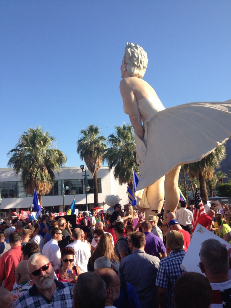 images/Prop 8/DOMA Repeal Rally at Forever Marilyn/june-26-rally-at-forever-marilyn_9146800329_o