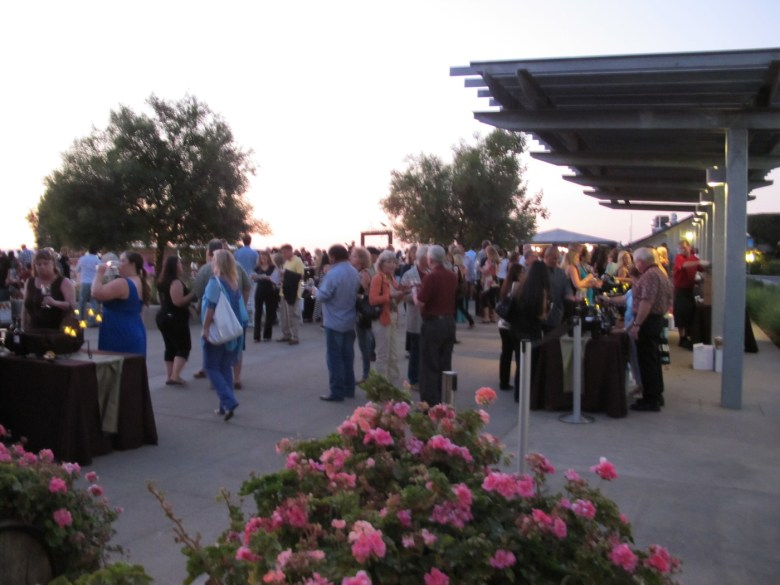 images/Temecula Valley Winegrowers Association 2013 Crush Event/crush-attendees_9773664225_o