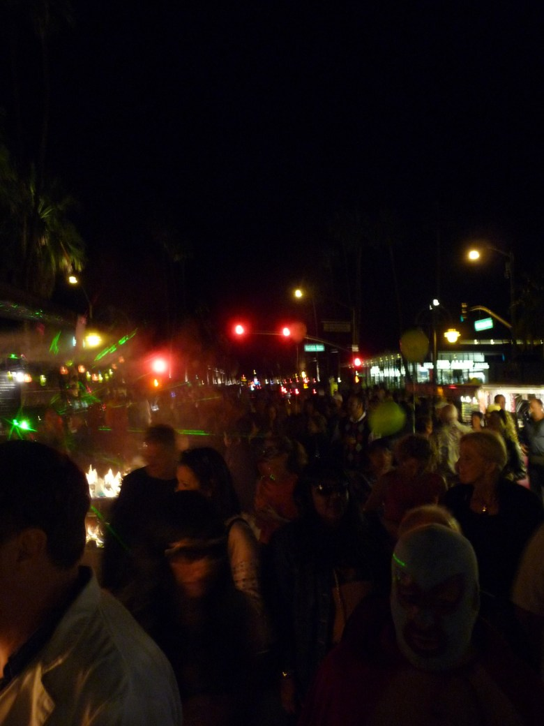 images/Downtown Palm Springs Halloween 2013/arenas-road_10603870535_o