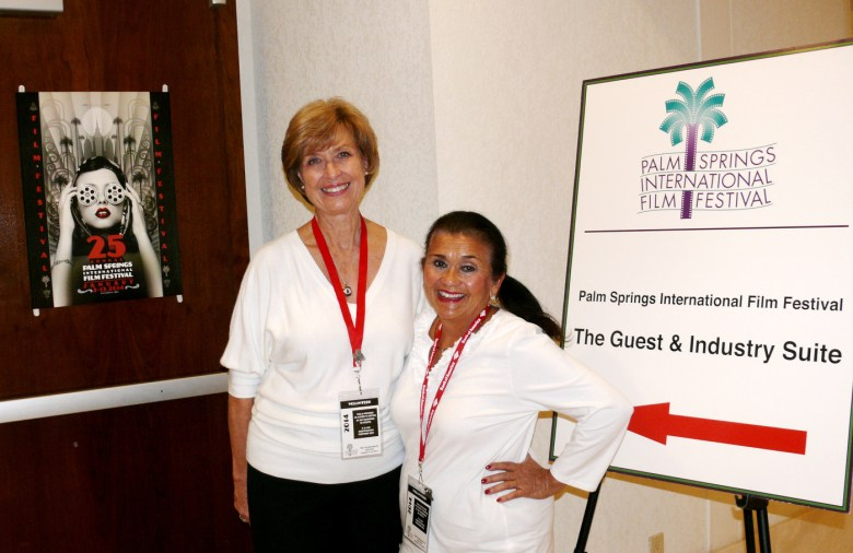 images/Palm Springs International Film Festival 2014 The Volunteers/psiff-volunteers-smiles-at-the-door_11861879093_o