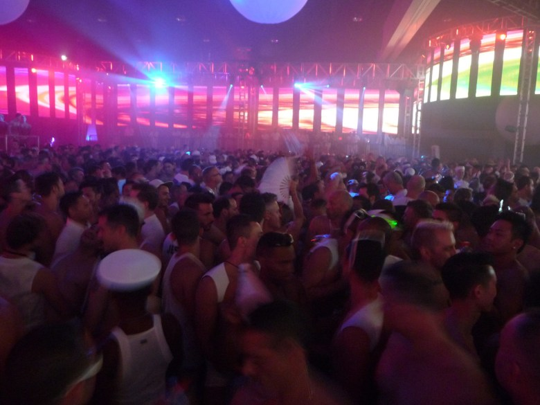 images/White Party 2014/dancing-queens_14057261373_o