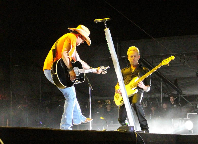 images/Stagecoach 2014 Day 2/jason-aldean_14038422424_o
