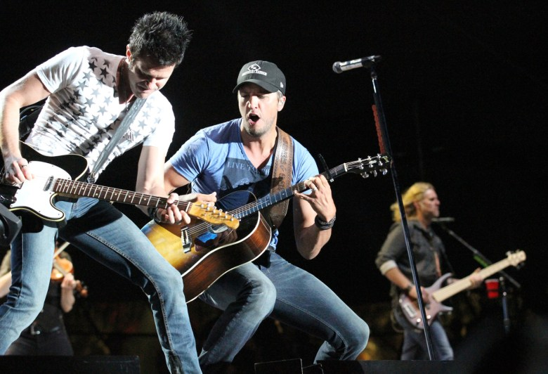 images/Stagecoach 2014 Day 3/luke-bryan-and-band_14049949262_o