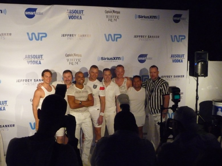 images/White Party 2014/on-the-white-carpet_14037277455_o