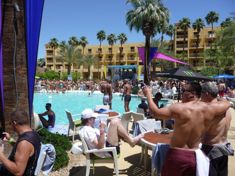 images/White Party 2014/saturday-pool-party_14037729944_o