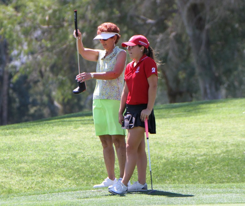 images/2015 ANA Champions Junior Challenge/help-from-a-pro_16794039487_o