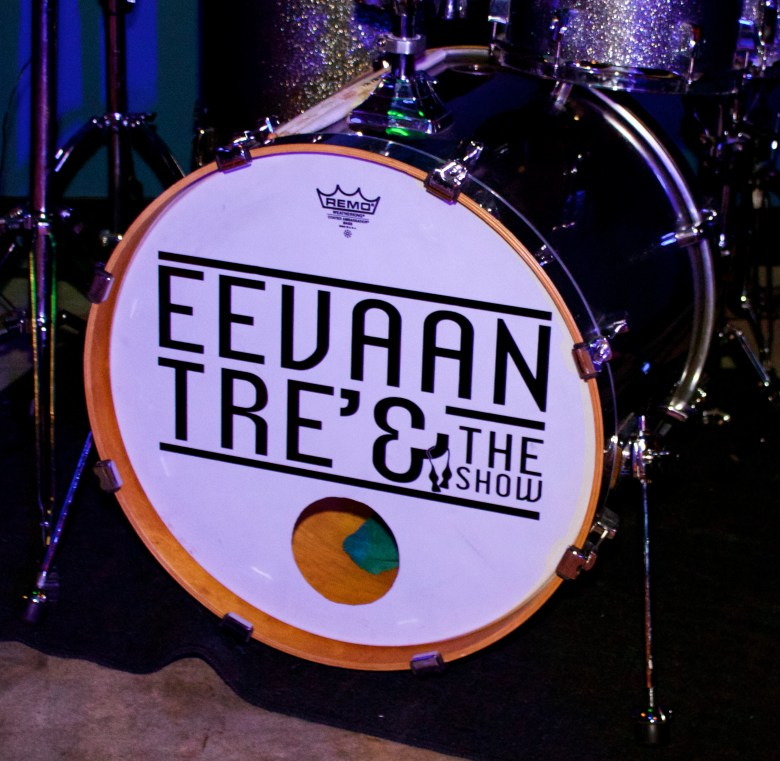 images/EeVaan Tre and the Show/IMG_1279